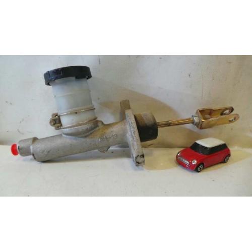 Bomba de embrague de Nissan Patrol Familiar (W160) Año: 1979